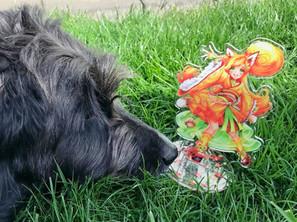 Luma Acryl Standee mit Hund