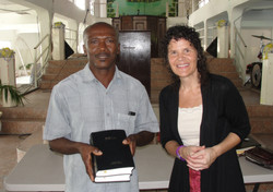 Conference Cayes - Bibles to the Pas