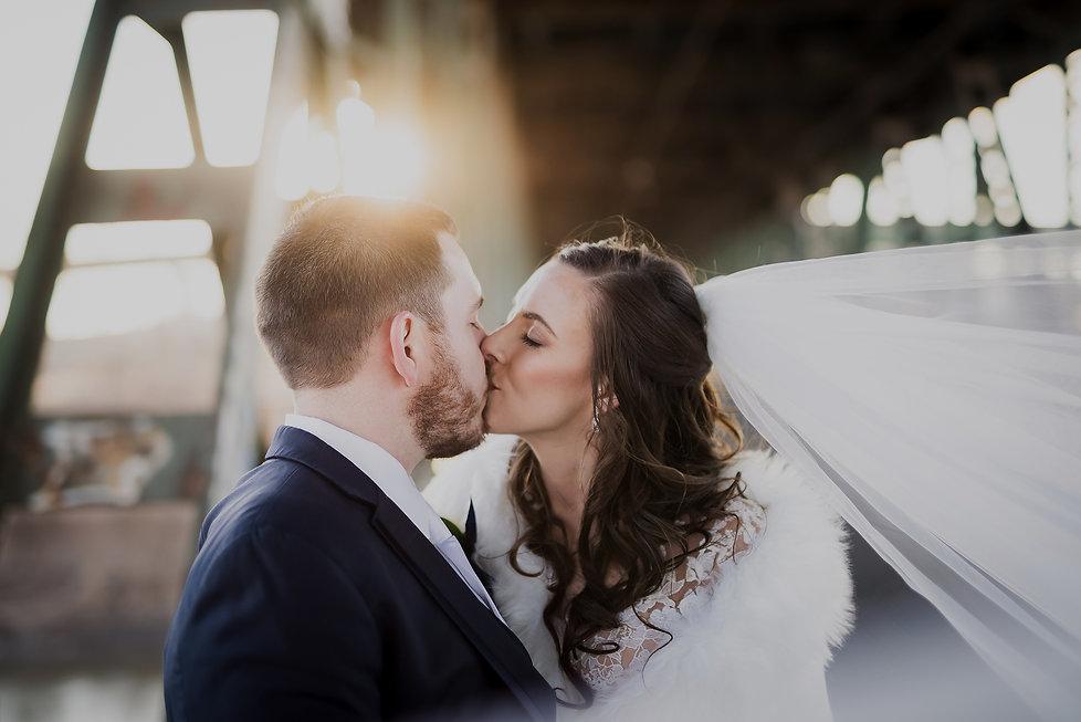 Wedding-Day-Timeline-2000x1335.jpg