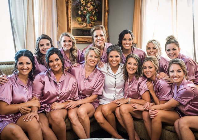 deer-ridge-estate-bridesmaids-couch.jpg