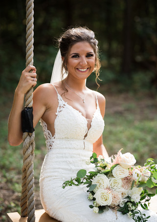 deer-ridge-estate-bride-swing.jpg