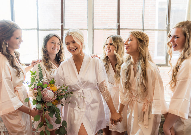 the-bride-and-the-bauer-bridesmaids-prep