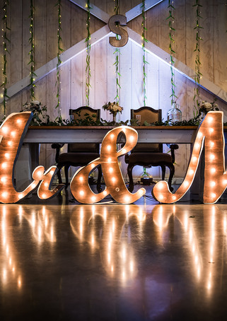 deer-ridge-estate-reception-lights.jpg