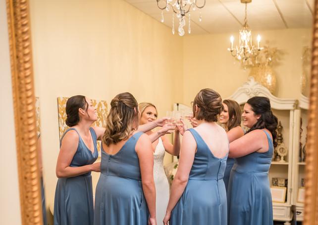 venue-at-willow-creek-bridal-room-brides
