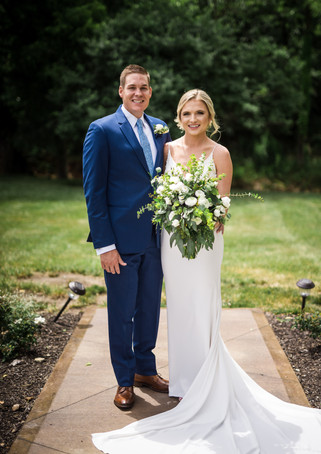 venue-at-willow-creek-couple-outside.jpg