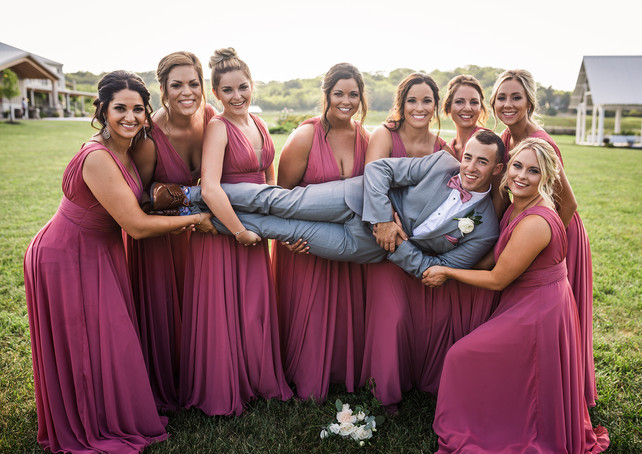 deer-ridge-estate-bridesmaids-groom.jpg