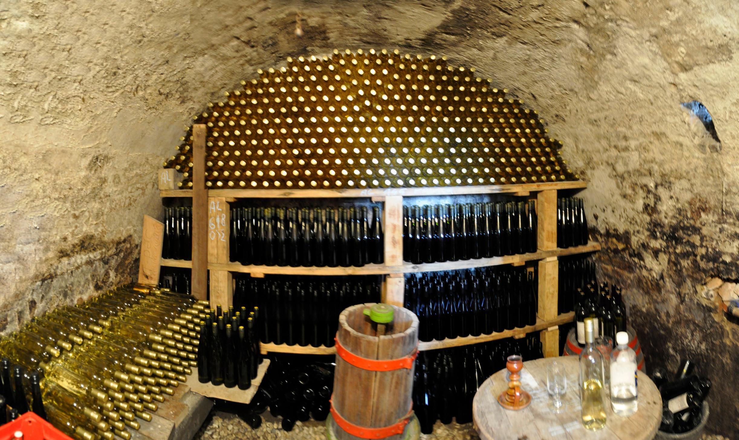 DŰLŐngélő bortúra a Somlón