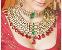 The Timeless Allure of Traditional Jewellery
