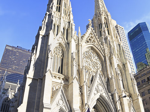 Saint-Patrick's-Cathedral-Family-in-New-York-Tours