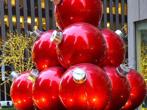 9-Hour Private New York Christmas Tour by Subway / Bus - $499.00