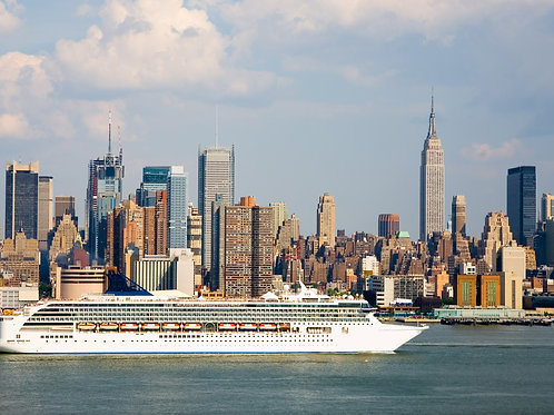 Cruise-Ship-Leaving-New-York-Family-in-New-York-Tours