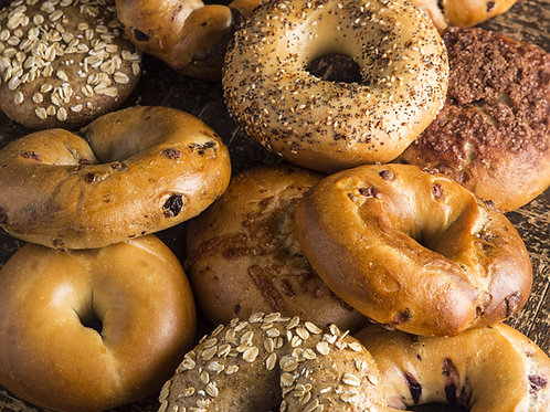 Assortment-of-Bagels-Family-in-New-York-Tours