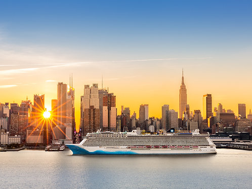 Cruise-Ship-Coming-into-New York-in-the-Morning-Family-in-New-York-Tours