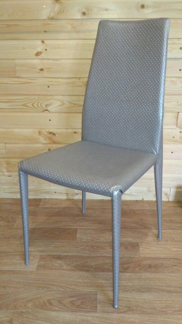 Обивка стула после