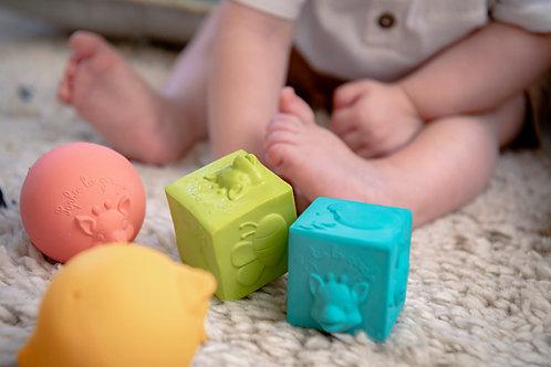 Sophie la girafe® So'Pure 2 balls and 2 cubes set