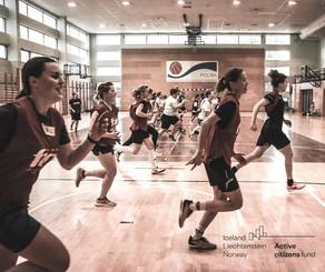 Piłka nożna kobiet* narzędziem zmian