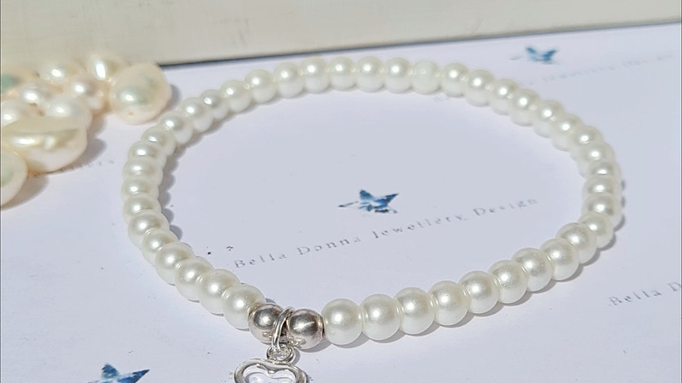 5-6mm Freshwater pearl and sterling silver beaded bracelet with open heart charm