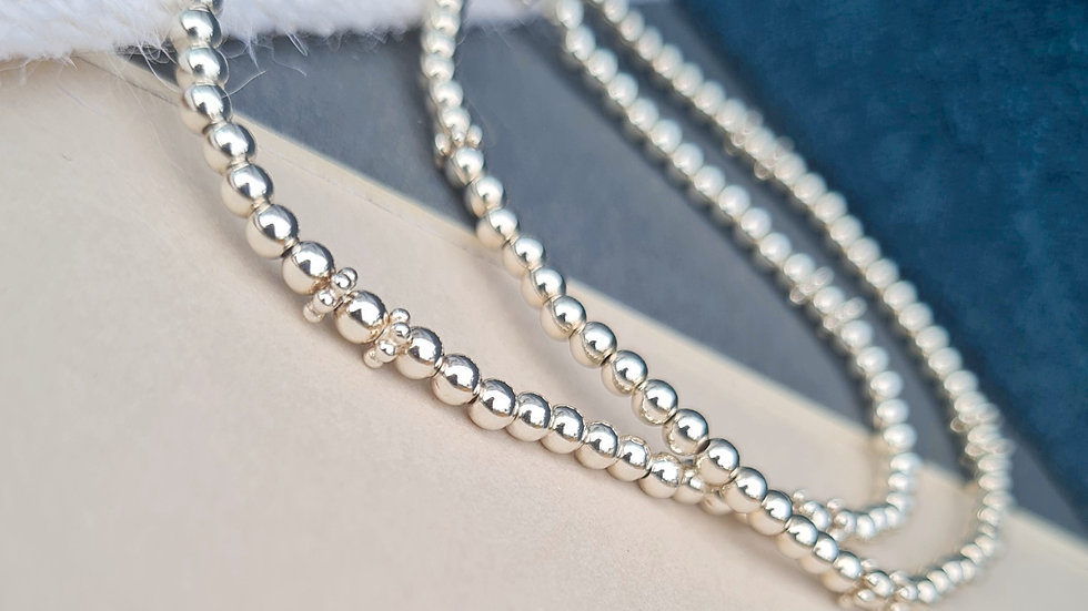 Sterling silver mini daisy beaded anklet
