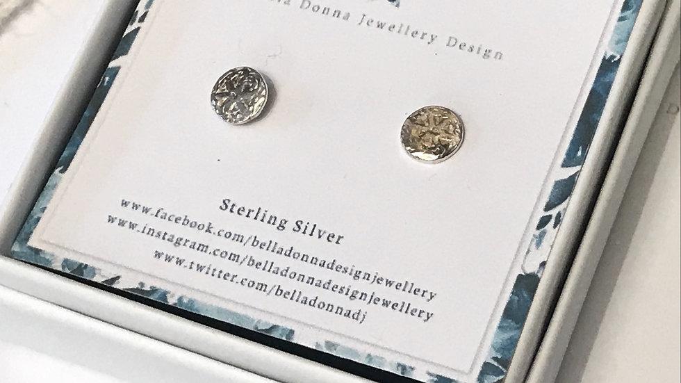 Sterling silver Daisy embossed mini stud earrings