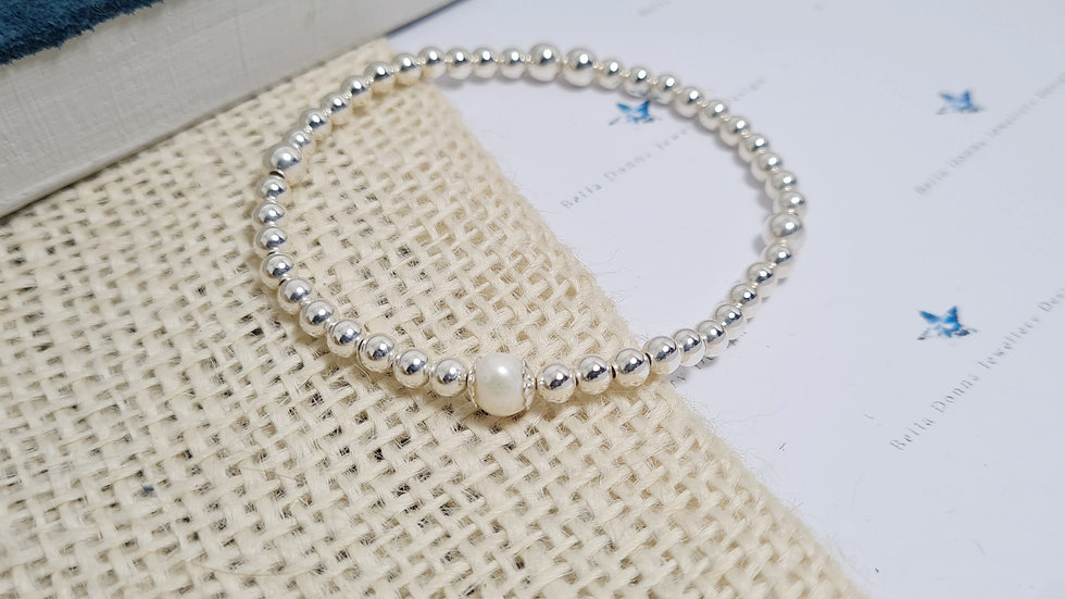 4mm Sterling silver and freshwater pearl beaded bracelet