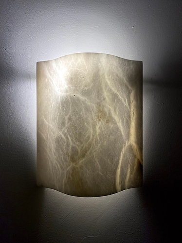 Wavy Alabaster Lamp 25x30 cms marble wall light