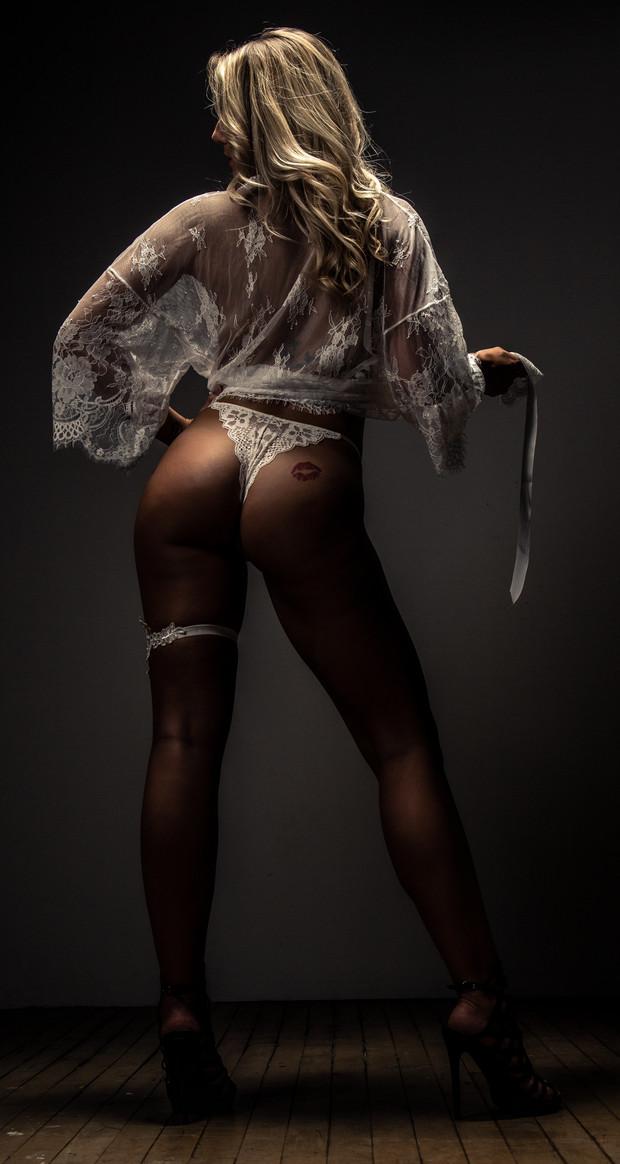 Emma Boudoir-1122.jpg