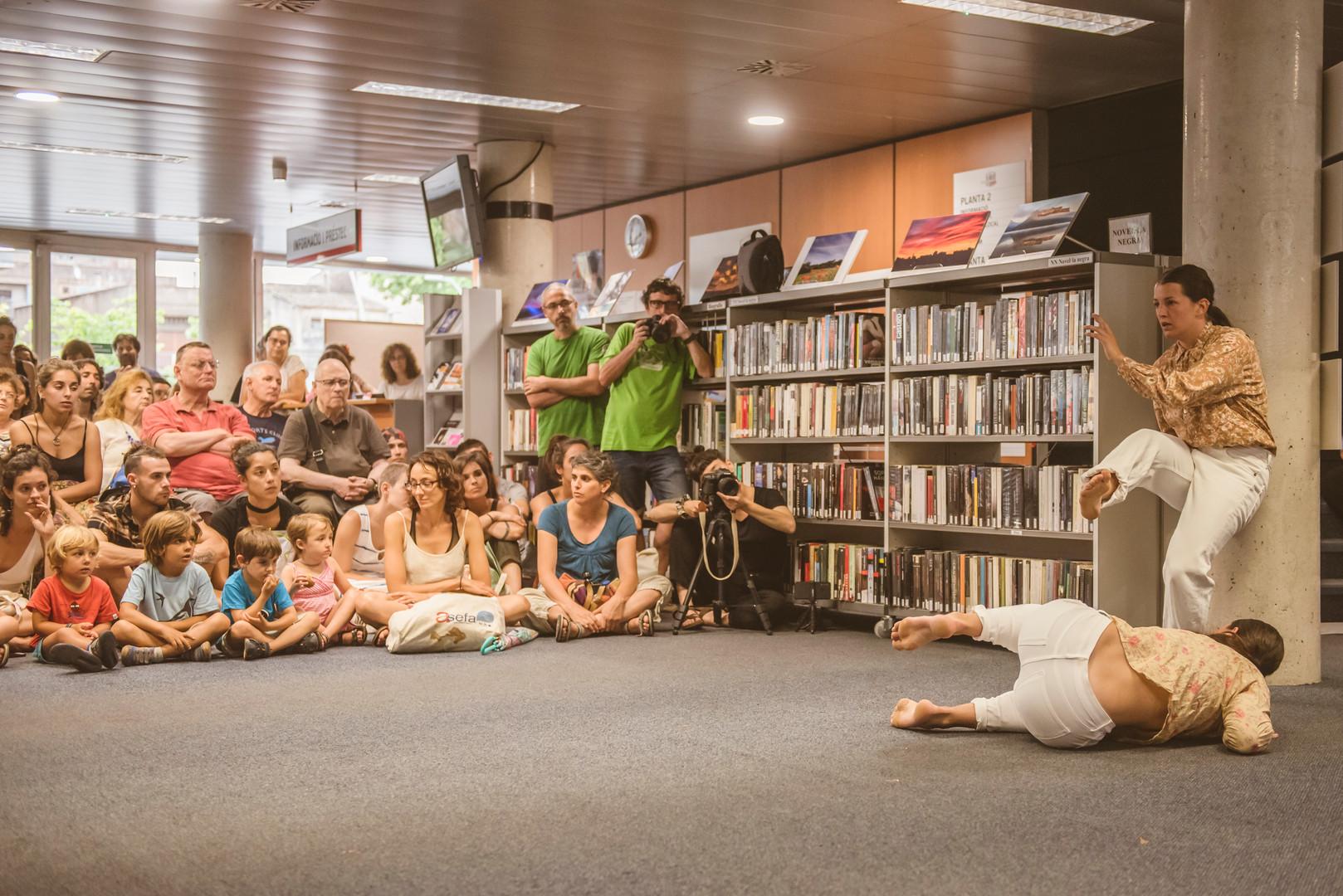 OLOR DE MENTA a la Biblioteca de Figuere