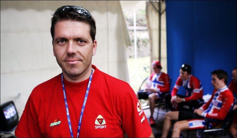 vein Gaute Hølestøl (født 1. mars 1971 i Sandnes) er en tidligere norsk syklist. Han syklet som profesjonell i det danske laget Chicky World i 1998 og 1999, og for tyske Gerolsteiner i 2000.  Hølestøl deltok i OL i 1996 og 2000, men fullførte ingen av gangene. Han har fire individuelle NM-gull.  Han var sportssjef i Norges Cykleforbund fra 2000-2006 før han overlot jobben til Steffen Kjærgaard.