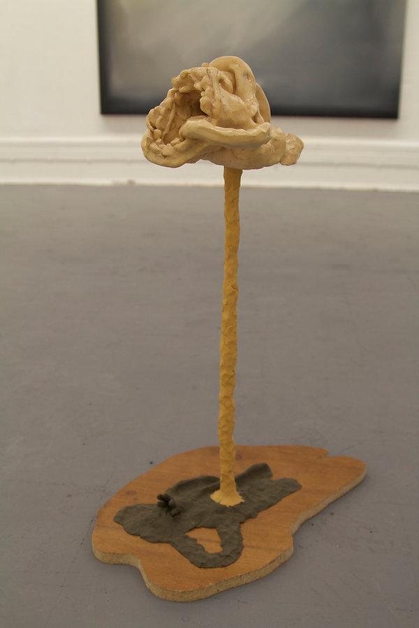 Tun, sculpture