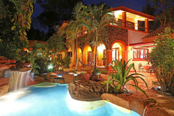 La Villa Bella under the stars
