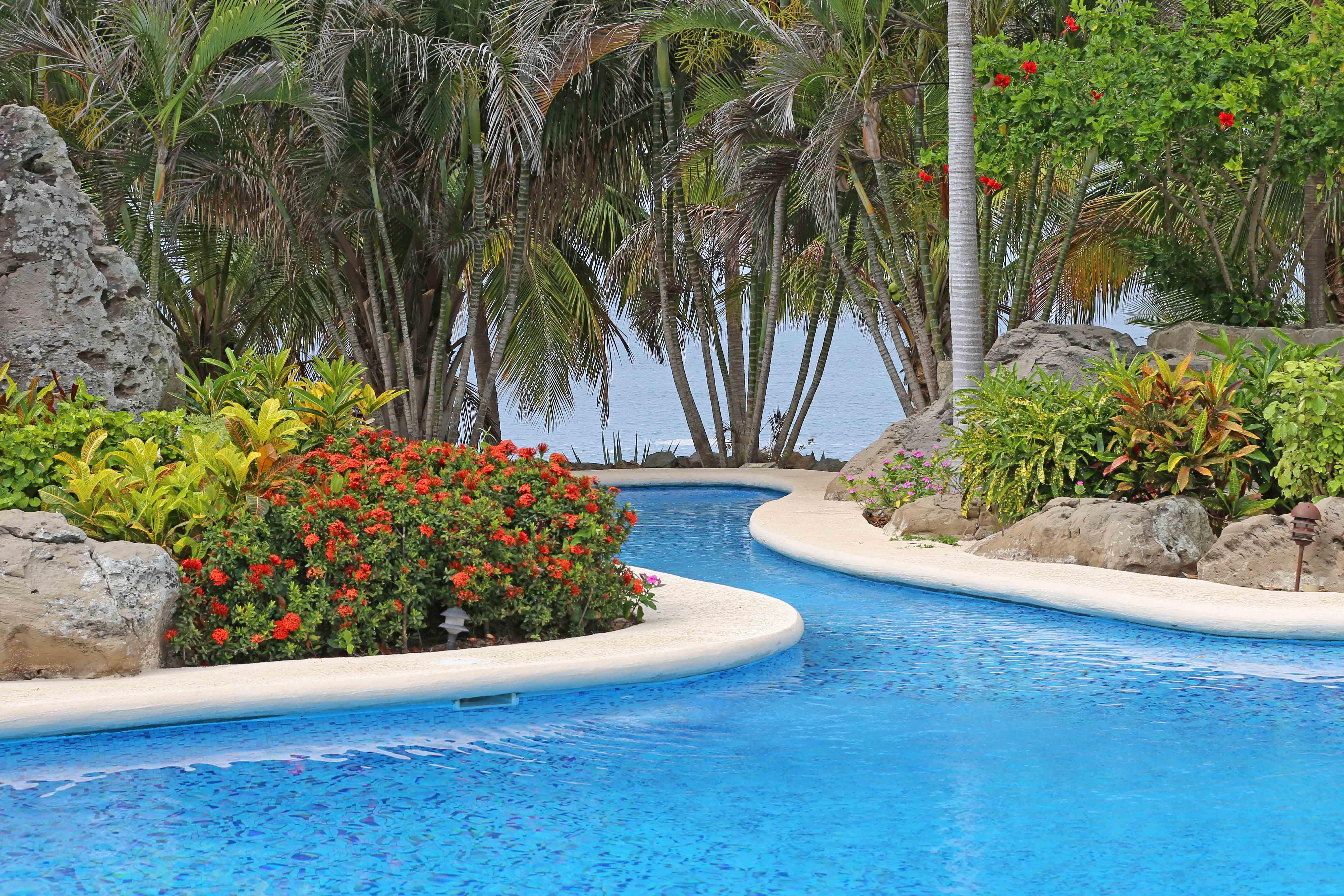 Scenic point pool