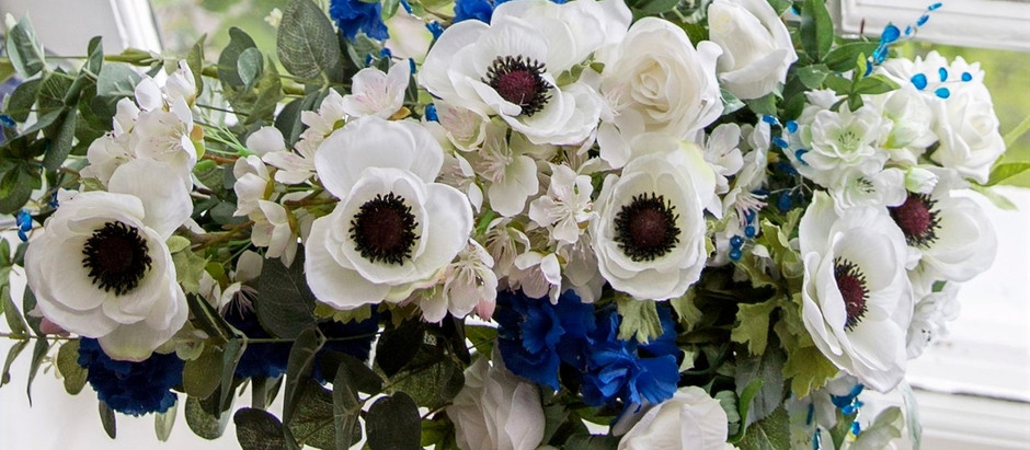 10 Reasons why artificial flowers are better than real flowers for your wedding.