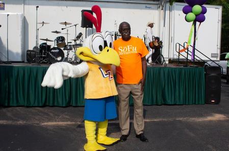 COSF Mayor Edwards with Zax.jpg