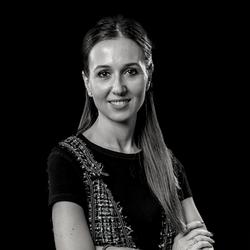 Leticia López-Lapuente | Legal Services