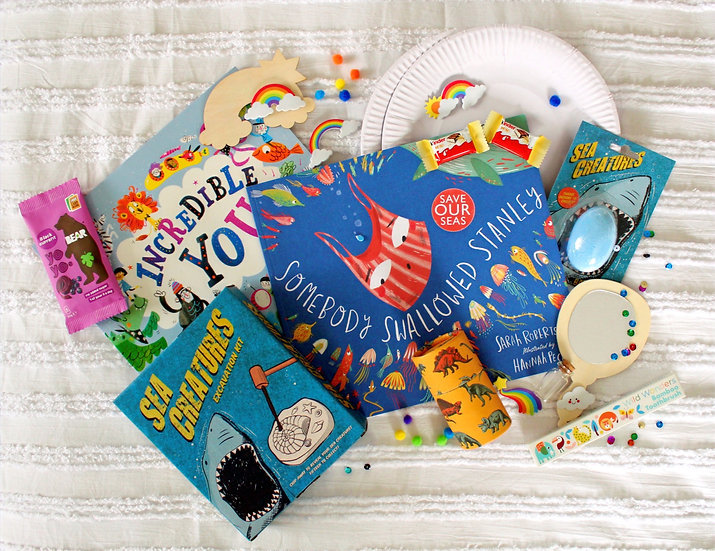 Little Readers' Bumper Bundle