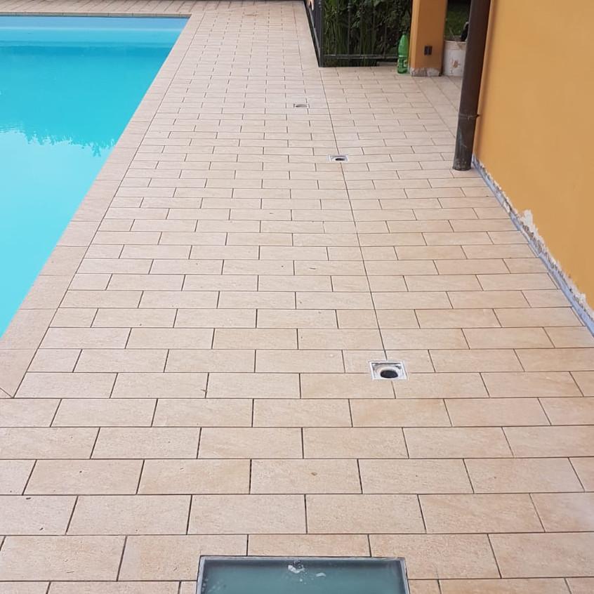 ripristino lastrico bordo piscina 45