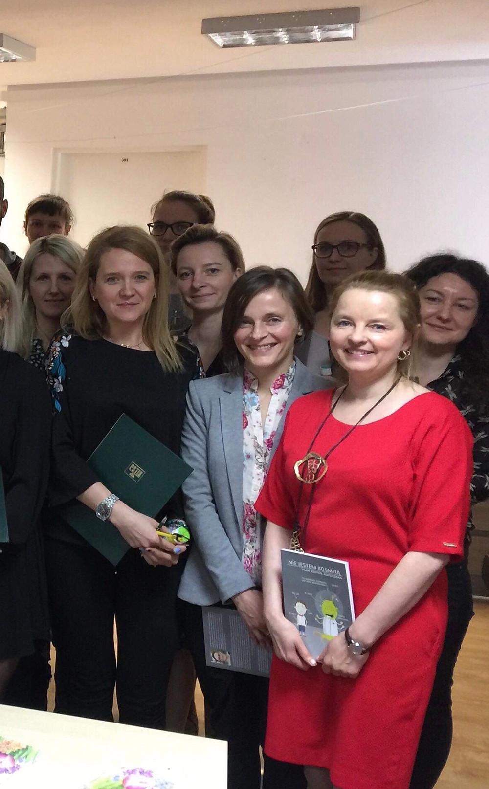 Ilona Nitychoruk Piekarz - dyplom SI II st - Prezes PSTIS Jolanta Kazanowska, dr Marta Wiśniewska