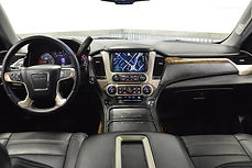 The inside of the SUV front picture of the truck for passenger
