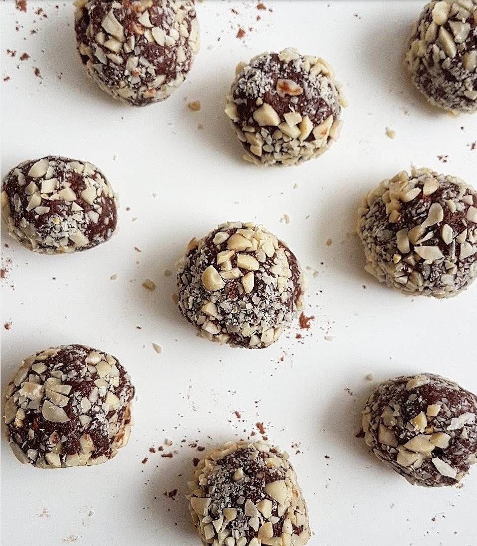 Vegan Chocolate and Peanut Butter Truffles