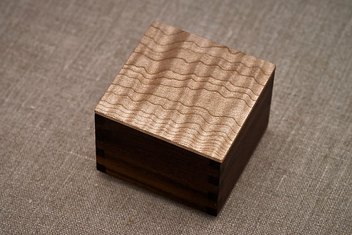 Curly Maple & Walnut Small Magnet Box