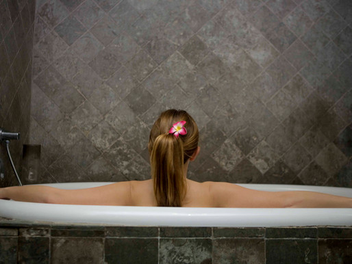 Benefits Of A Hot Bath And Best Bath Essentials
