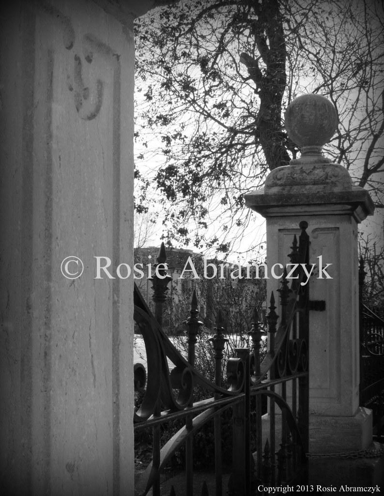 Gate of Lafayette Square Park, St