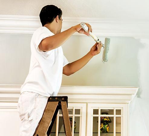 Dipingendo il muro