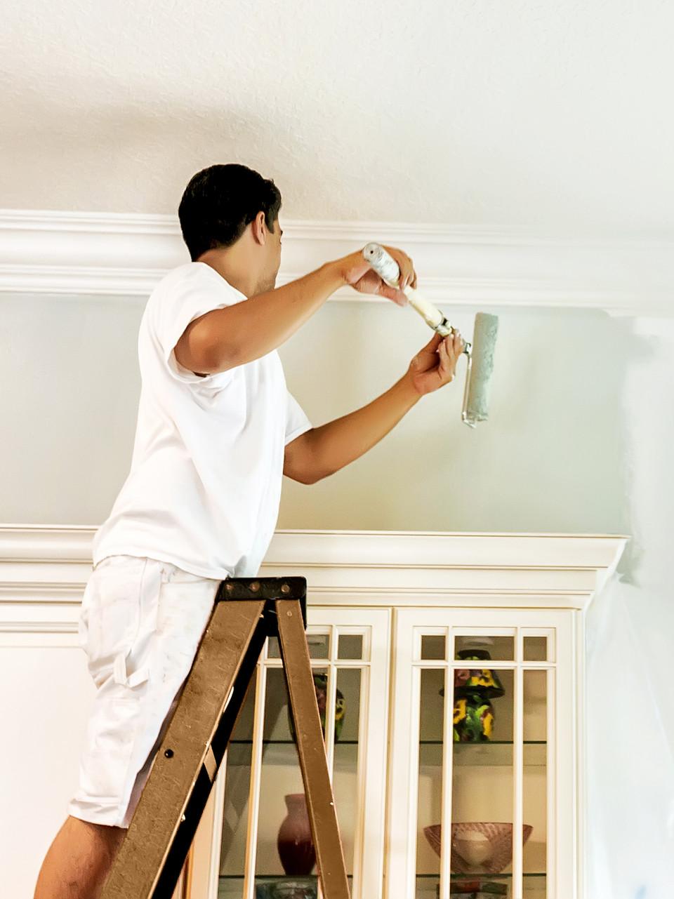 صياغة عقد مقاولات دهانات داخلية بسيط أسقف و جدران مصنعيات