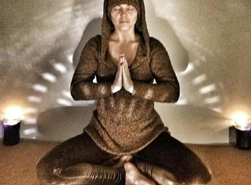 IVA Meditation Earth Motion Brown