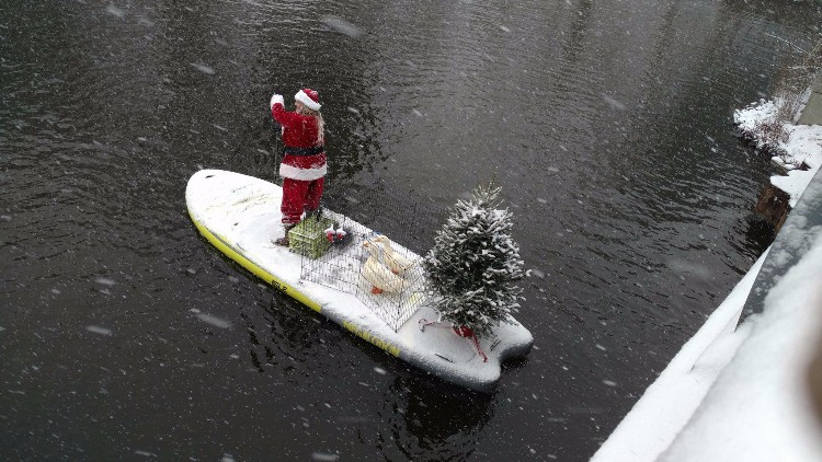 Jersey Paddleboards, santa paddle, sup examiner, christmas paddle, standup paddling, cold weather paddling