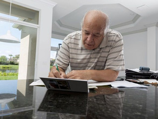 When Should Retirees Downsize Their Homes?