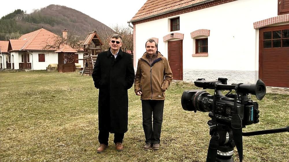 Csontos János rendezővel a forgatáson