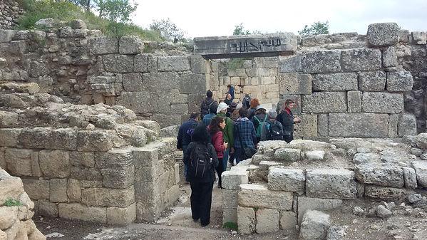 Вход в церковь Иоанна Крестителя в Себастии