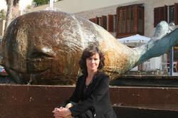 Я и Кит в Яффо, скульптура Иланы Гур